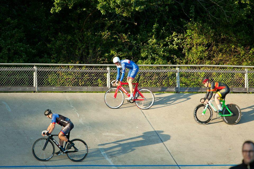 Danny Bak Pedersen i spidsen under Petit Prix havde en flot aften på cyklebanen, og sluttede 2'er i Petit Prix efter Johan Tiedemann Langballe, foto: Toke Hage.